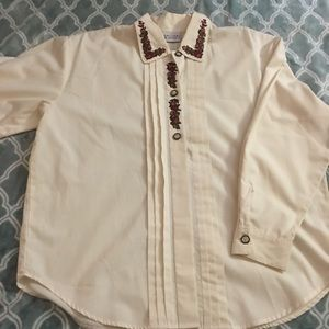 Tops - Vintage embroidered top